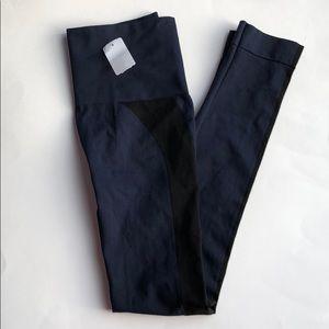 NWT SPANX ankle length leggings Navy w/ black